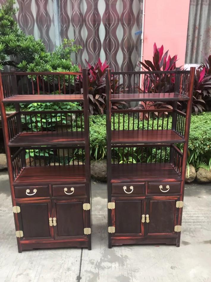 红木家具须置物适度,衣柜、抽屉等存放物件不要超过其容积