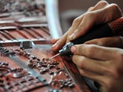 红木家具升华的最后一步!漆工艺,传统红木家具的点睛之笔