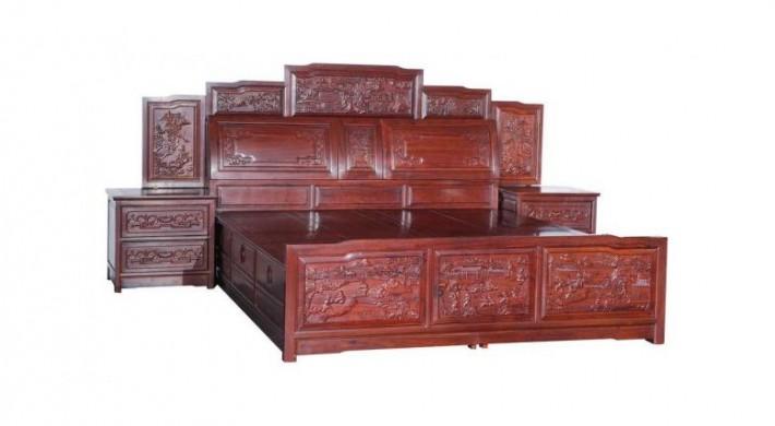 走访红木家具市场发现,目前,红木家具销售商只是在价格标签上介绍家具的基本属性