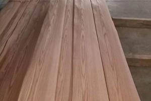 红橡天然木皮的优点及应用领域有哪些?