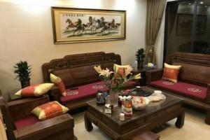 刺猬紫檀与亚花梨做的红木家具有什么不同?