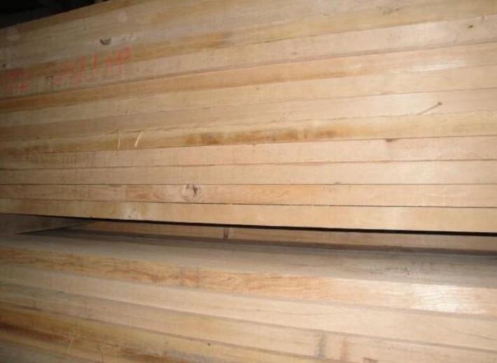 求购:荷木板材,求购电话:15118109738