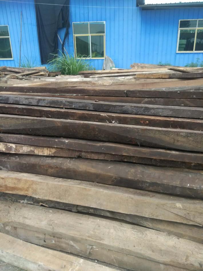 大量出销,老房子拆迁下来的旧杂木方横条