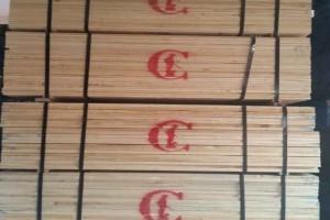 广东进口北美硬枫木板材1.8~4.8米长1~2寸厚
