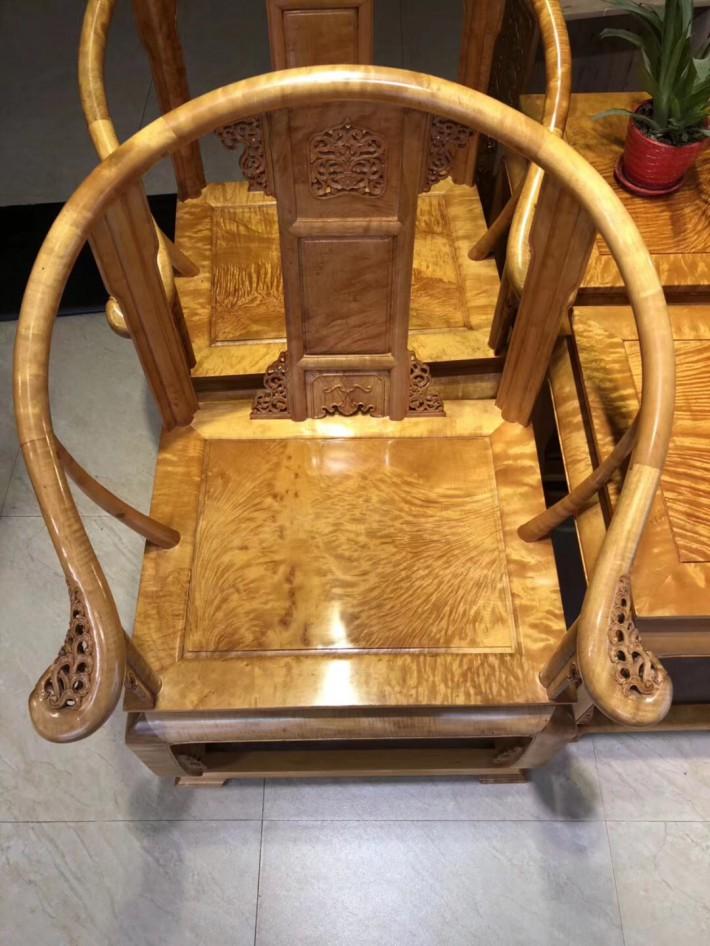 金丝楠木皇宫椅