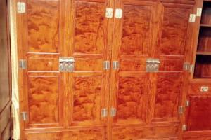 缅甸花梨衣柜