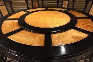 金丝楠木圆餐桌,圆台黑檀木框架大叶帧楠满花面板图片