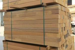 菠萝格板材一立方多少钱,正宗非洲菠萝格板材价格