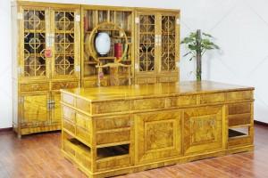 如何鉴别一件金丝楠木家具的好坏呢?