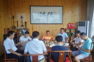 中国木协副会长杨曰录一行拜访青岛木业协会