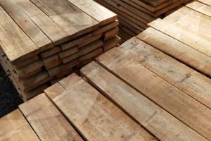 白杨木烘干板材,白椿木烘干板材,榆木烘干板材装车视频