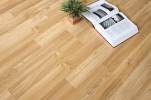 六月底:胶合板价格小幅下调,祚木体育地板市场交投升温