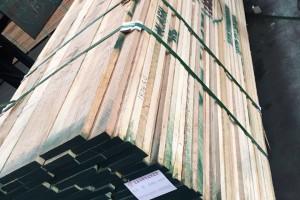 广东进口白蜡木板材锯材,锯材,家具材,楼梯地板材图片