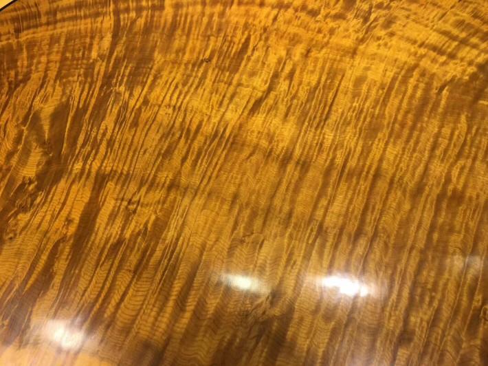 金丝楠木圆形圆桌