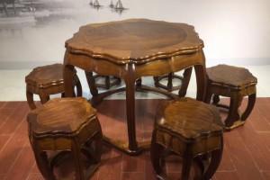 缅甸金丝楠木餐桌黄金楠直径1.13米梅花圆桌7件套休闲桌红木家具产品