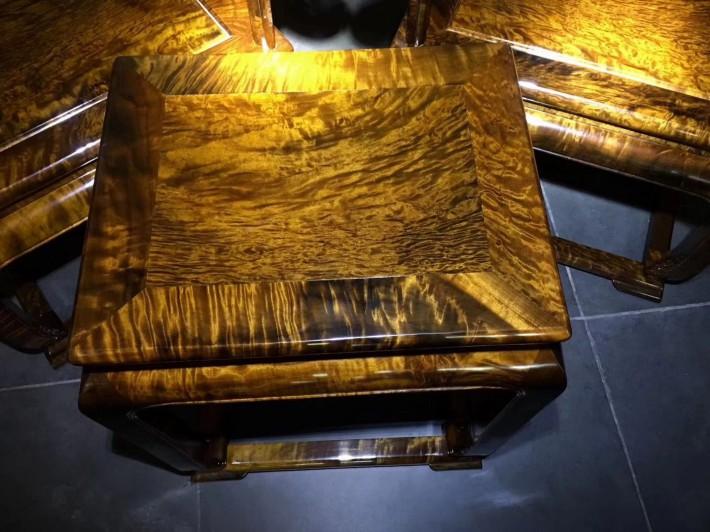 千年金丝楠木乌木家具皇宫椅