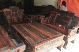 老挝大红酸枝步步高升沙发组合古典中式,榫卯结构油性足,用料厚,色彩正