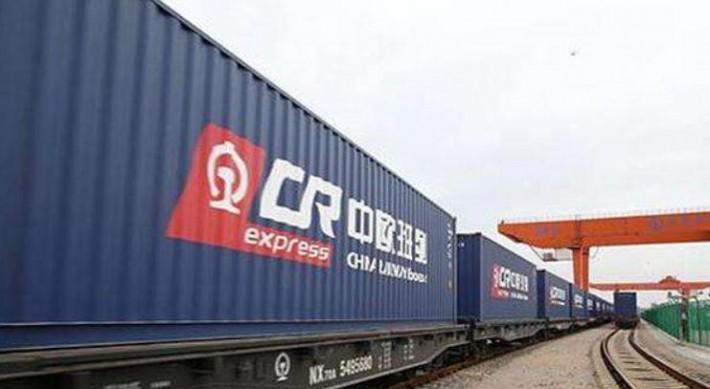 成都:中欧班列木材定制班列累计开行100列 实现外贸额1.2亿元