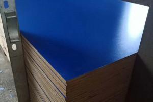 中高密度纤维板 贴面密度板临沂市沪丰板材厂