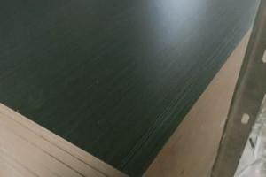 临沂环保刨花板密度板批发