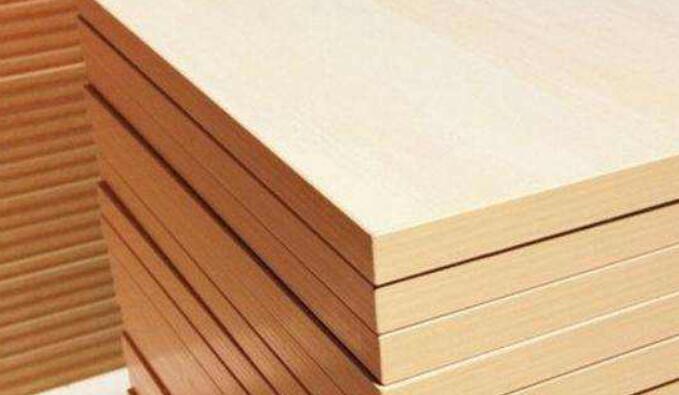 分别就人造板产业当前面临的热点问题