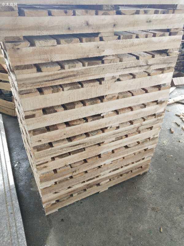 木托盘一般经过熏蒸热处理,使用的主要有