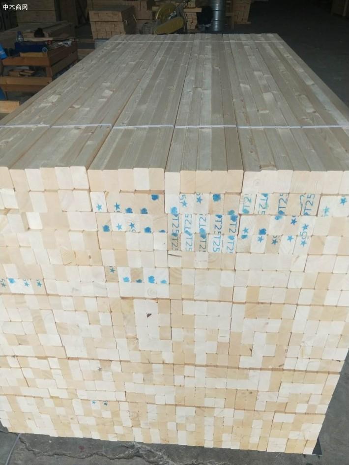 建筑木方的含水量在8%~12%为正常