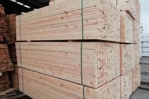 张家港保税区(金港镇)联合整治多家木材加工企业