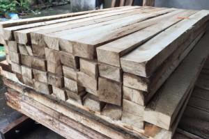 精品白杨树 柳树 柏木 樟木锯材 板材 长期大量供应