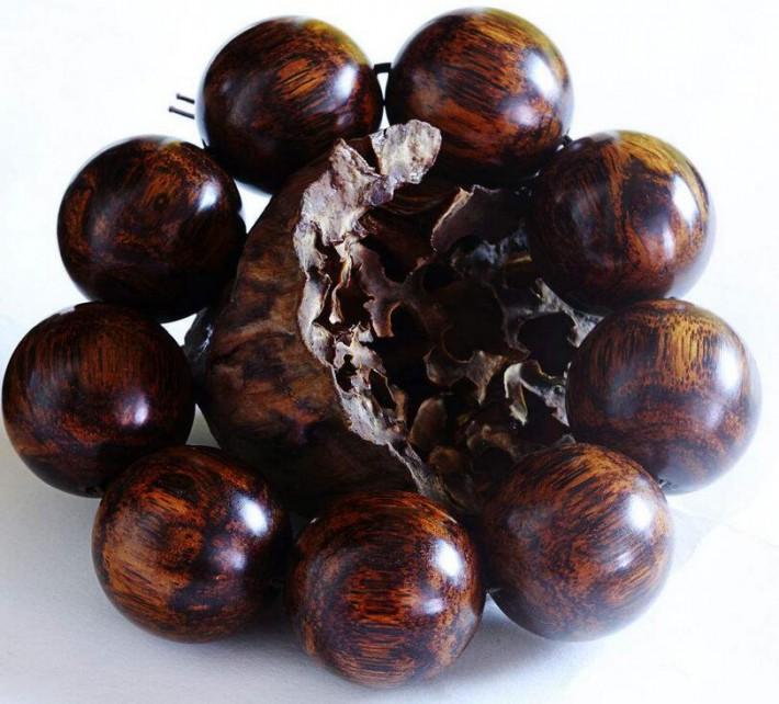 海南黄花梨木是目前世界上最珍贵的硬木之一