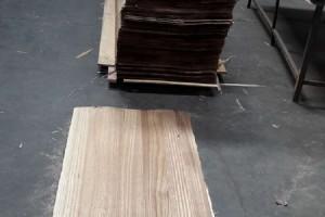 奥卓:桐木碳化拉丝