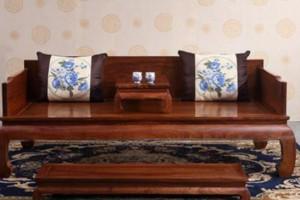 觉得家里的席梦思睡觉不舒服,想换成红木大床,有什么好建议吗?