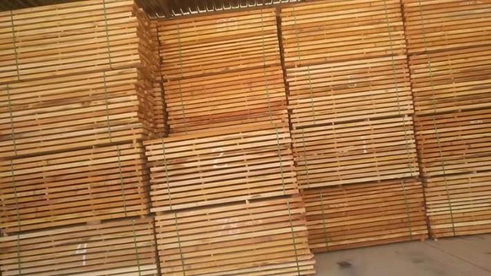 印尼桃花芯木做家具的优点
