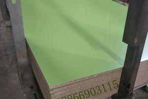 山东潍坊颗粒板砂光刨花贴面刨花板环保均质刨花板16厘25厘
