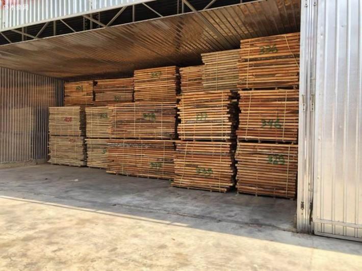 宁波三升木业有限公司,长期供应印尼桃花芯、柚木、阔叶黄檀等印尼进口原木和板材