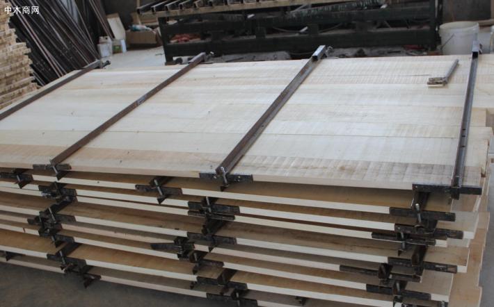 白杨木烘干板材做家具好不好—白杨木家具优点
