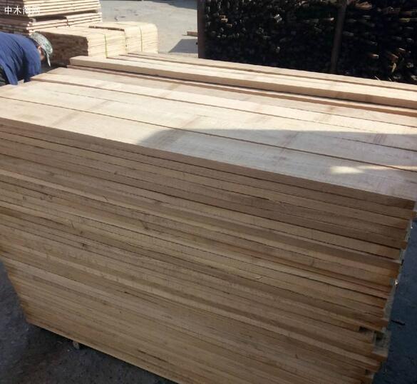 水曲柳实木板材的优点