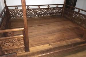 海南黄架子床