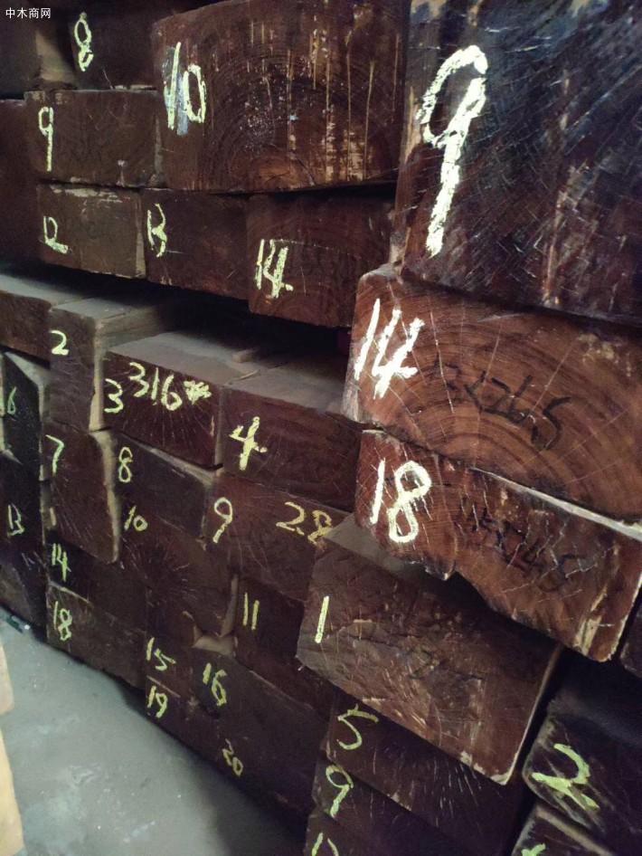 缅甸柚木是制造高档家具、地板、室内外装饰的最好材料