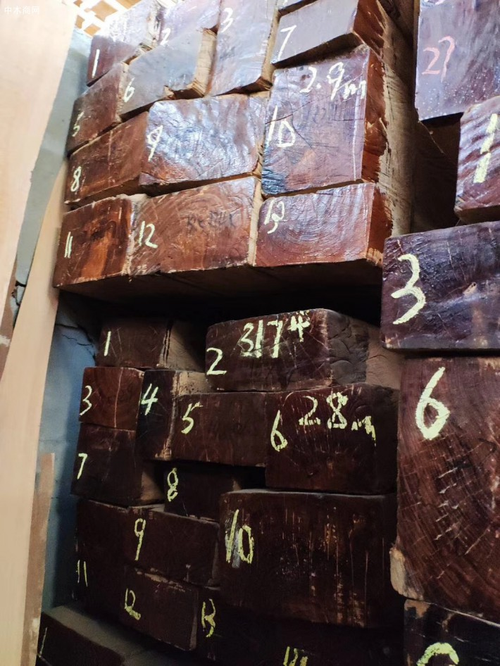 缅甸柚木实木板材做家具的优点