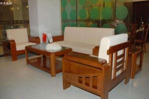 买实木家具要分清楚材质,朋友花了橡木的钱,买回的却是橡胶木