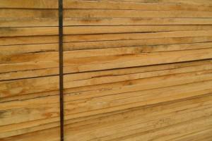 白椿木烘干板材