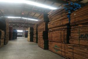 美国黑胡桃木板材库存价格表现货视频
