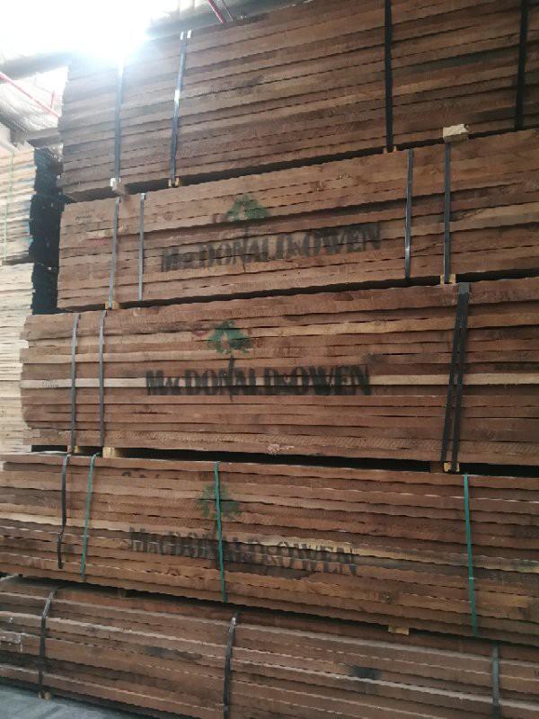 美国黑胡桃木家具采用胡桃木中的名贵木材美国黑胡桃木板材作为主材