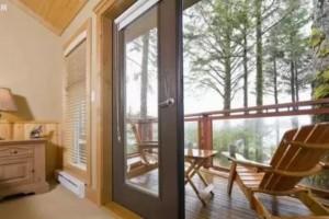 阳台铺防腐木地板,比瓷砖好看100倍!