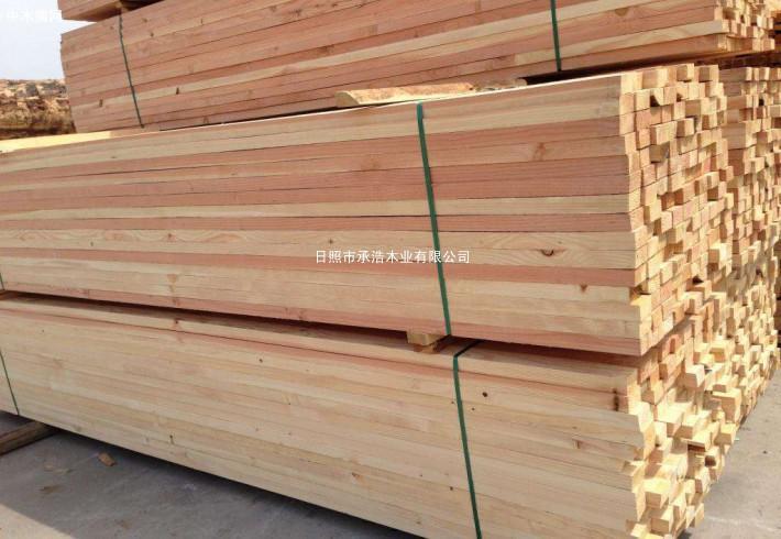 一般来讲,经过干燥过木料的含水量在8%-12%之间为正常