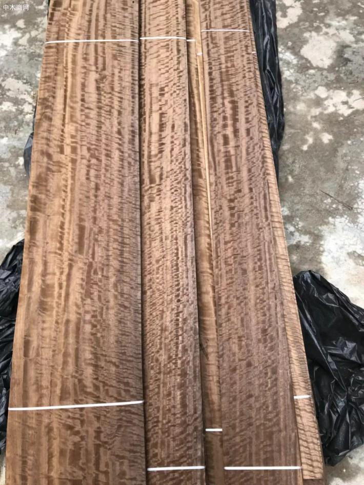 烟熏碳化尤加利木皮:纹理清晰,古朴典雅