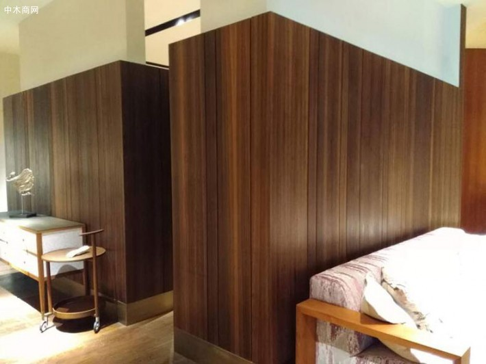 烟熏碳化木皮,是经过表面炭化或是深度处理的木皮