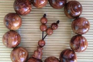 越南黄花梨手串怎么盘玩?如何判断它是正品?