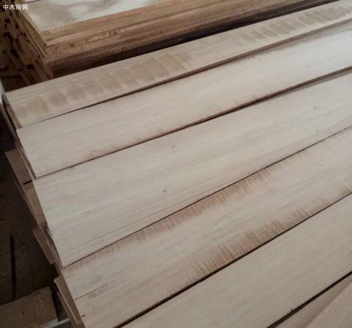 河南最专业的定制生产实木白杨木烘干刨光板材加工的企业